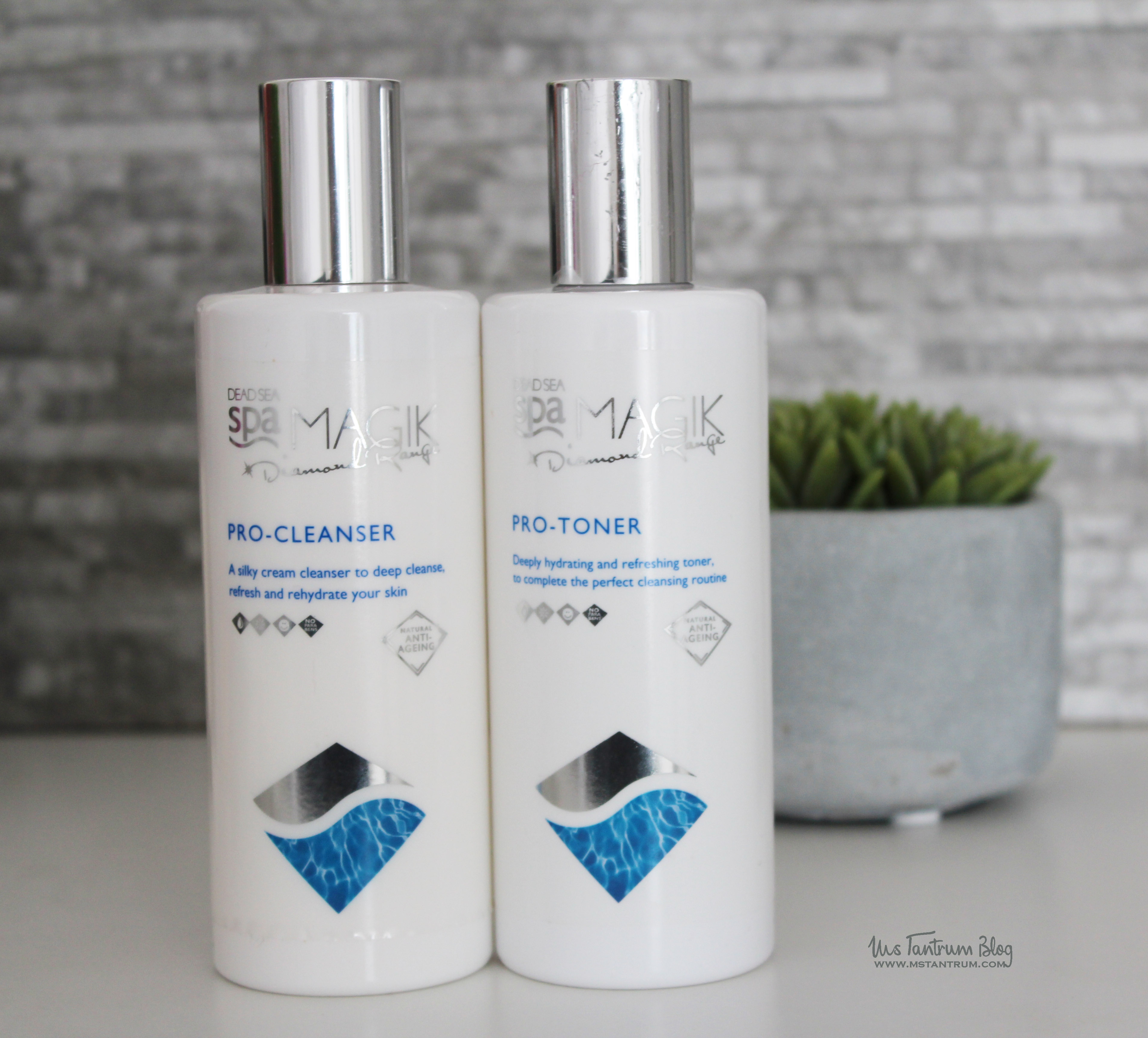 Dead Sea Spa Magik Cleanser and toner duo from Beauty Expert Natural collection kit + Discount code