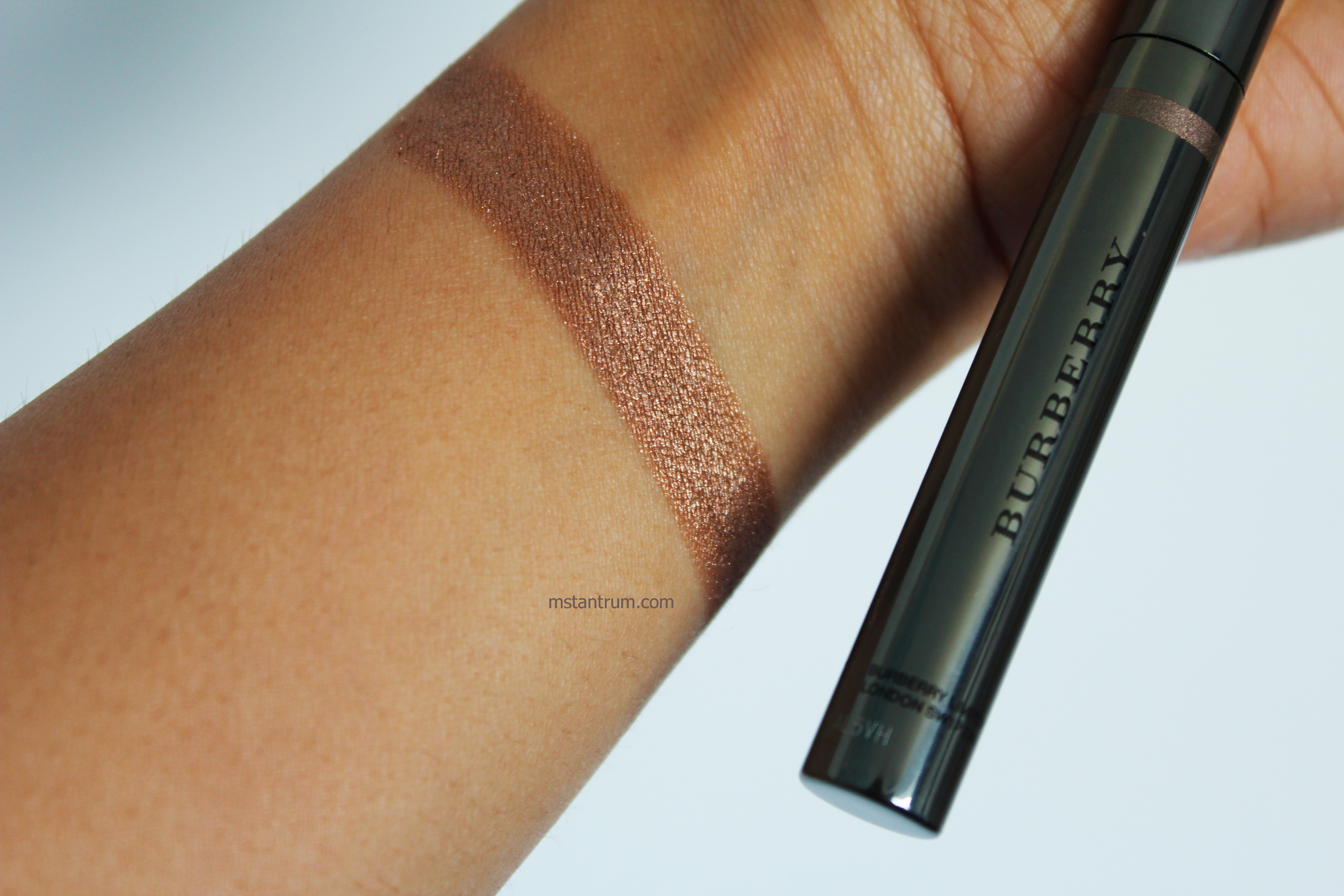 burberry pale copper eyeshadow stick swatch without Flash