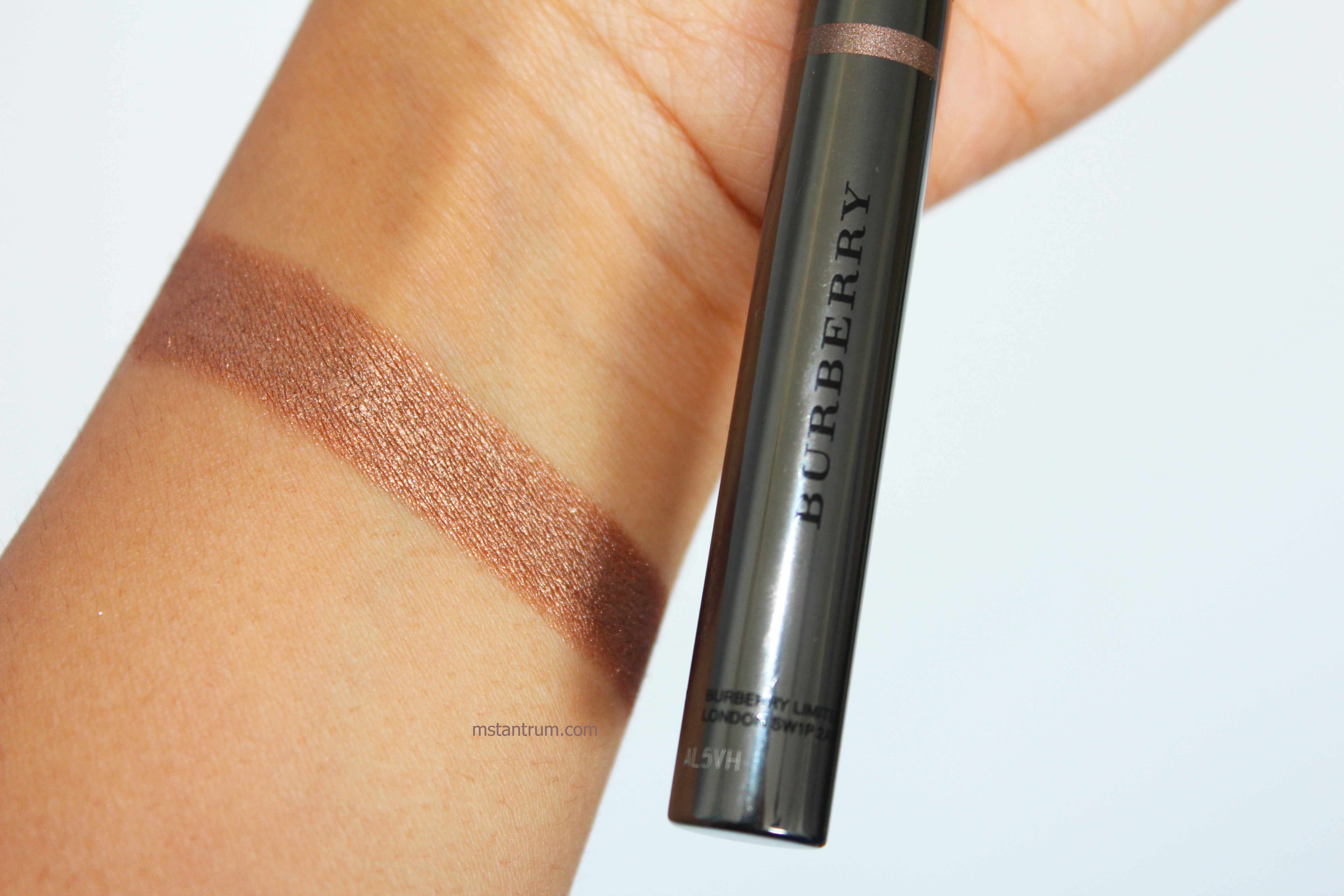 burberry pale copper eyeshadow stick swatch with Flash