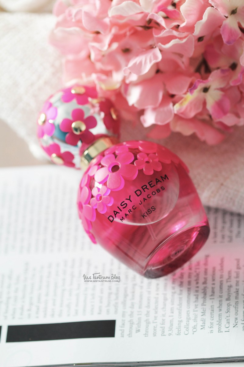 Marc Jacobs Daisy Dreams Kiss Fragrance Review