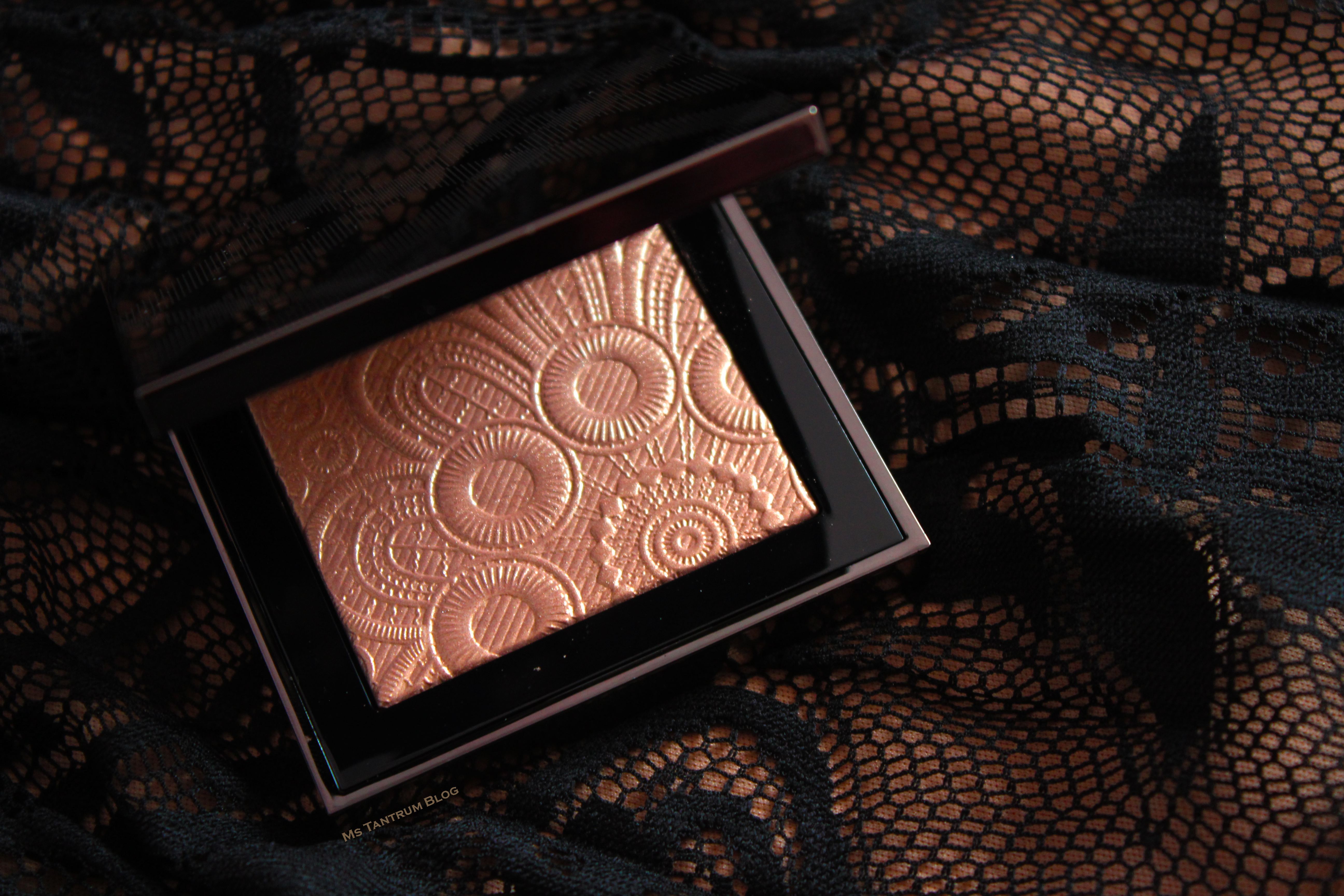 Burberry Lace Highlighter review on Ms Tantrum Blog
