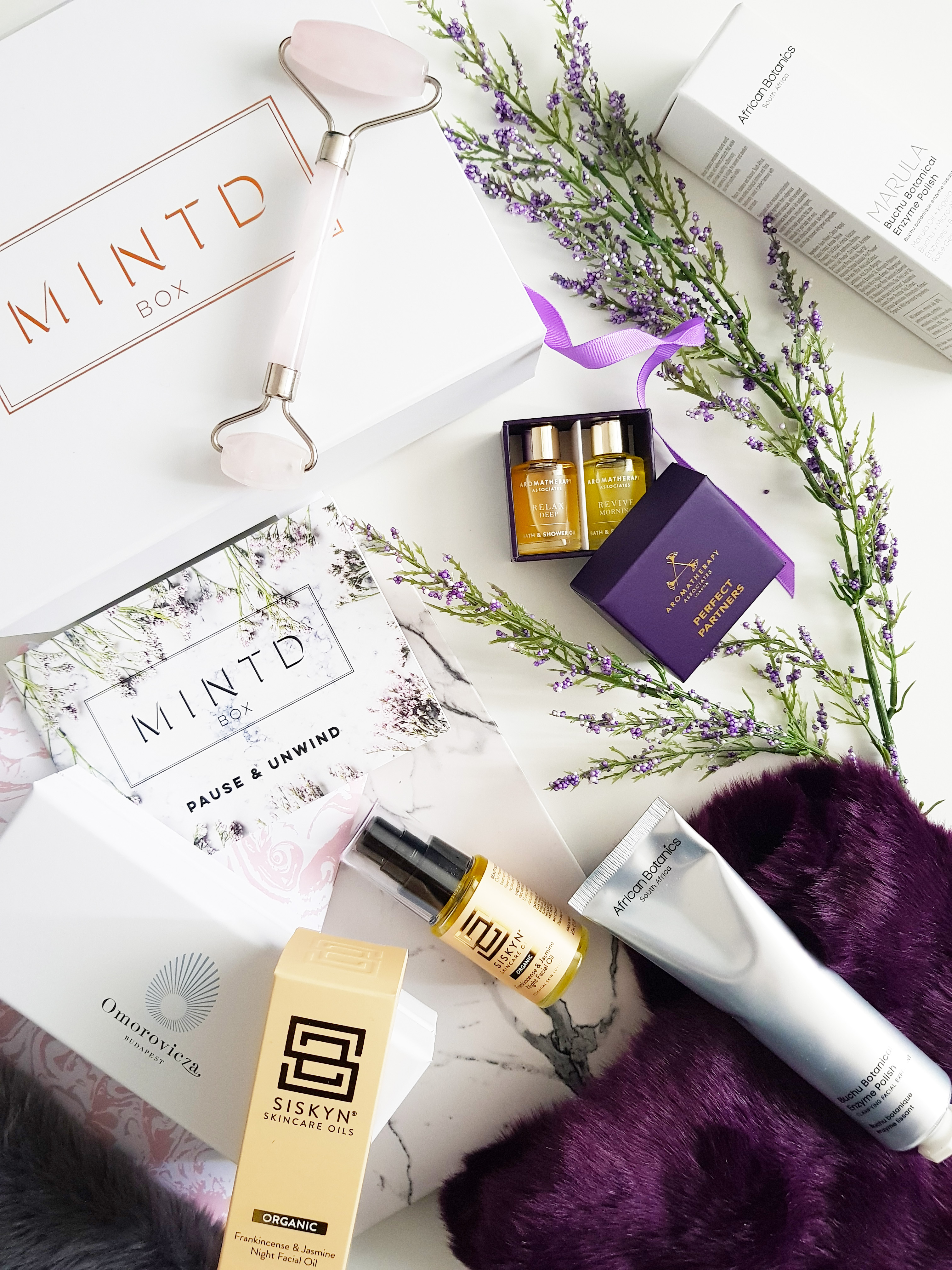 Mintd Box Pause & Unwind APril Box - Luxury Beauty Subscription Box